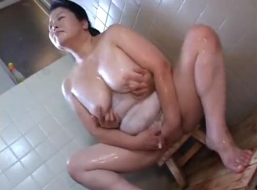 性欲まみれの六十路熟女の膣内にザーメン射精熟女性誌 60 写真 マン