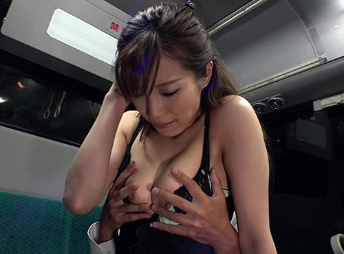 私が見たい30.40代のパンストOLだらけの通勤バスセックスadaruto動画