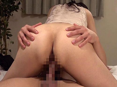 若いザーメンが欲しくて生交尾を堪能する補正下着の主婦動画